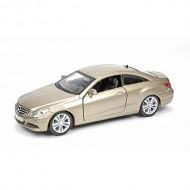 Kit de asamblare Mercedes Benz E-Class Coupe - 1:32