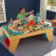 Trenulet din lemn Aero City Train Set & Table Natural - Kidkraft